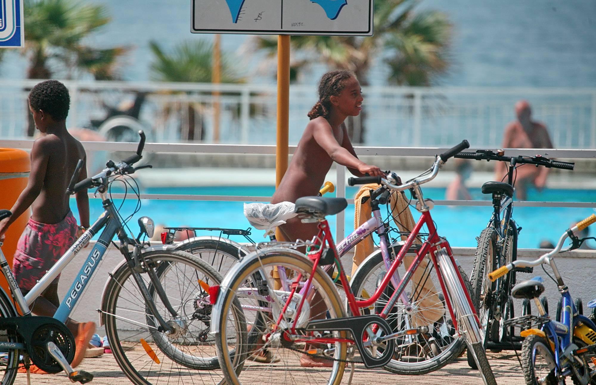 Biking Stand Photo Gallery - 1