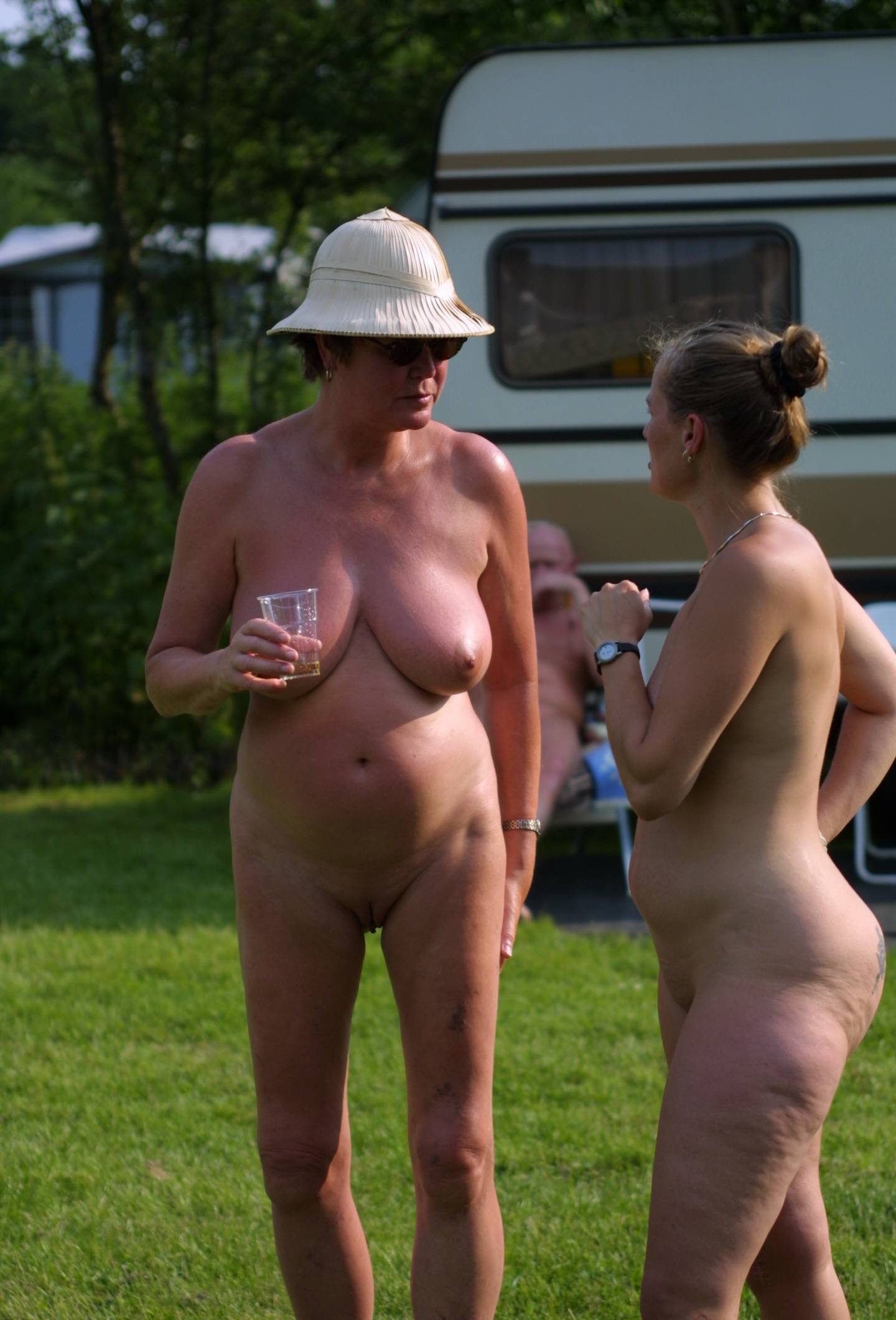 Nudist Pictures Holland Show and Relaxation - 1