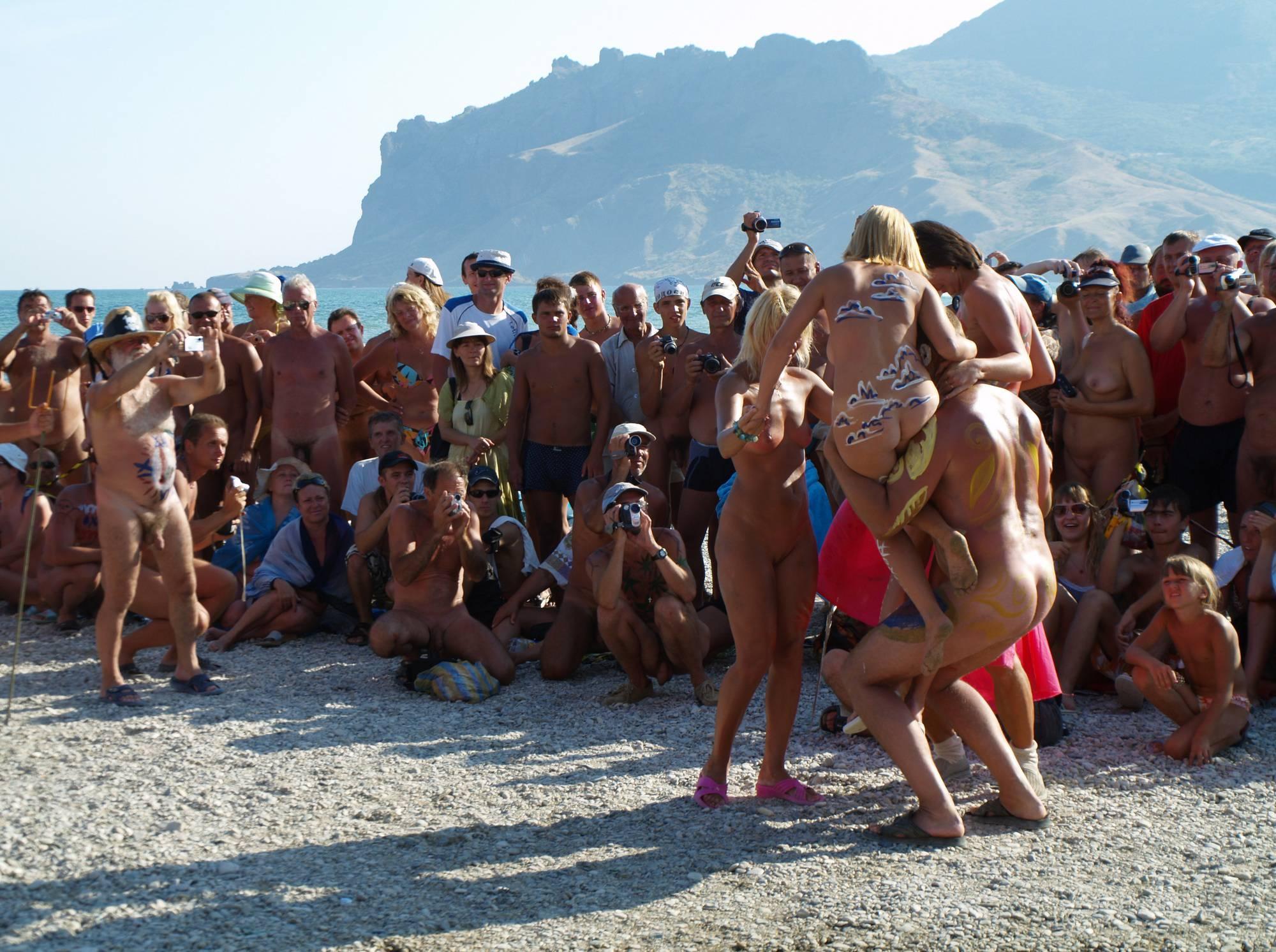 Nude Human Weightlifting - 1