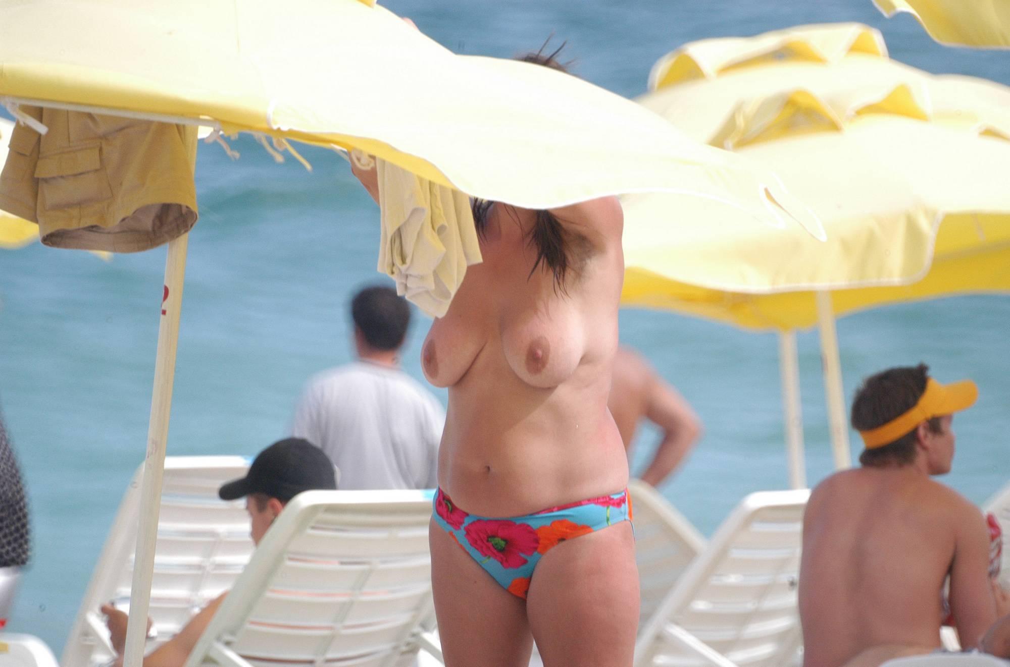 Nudist Pictures Zlote Beach Sunbathers - 2