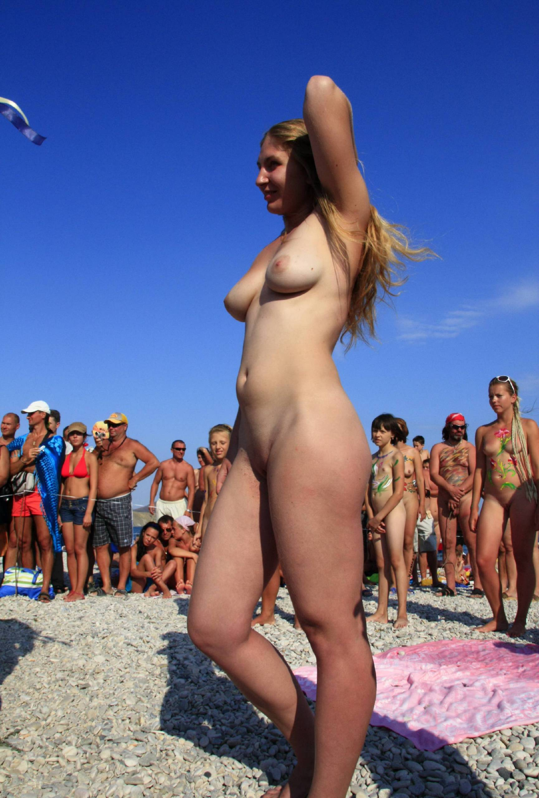 Nudist Pics Nude Group Dance Profile - 2