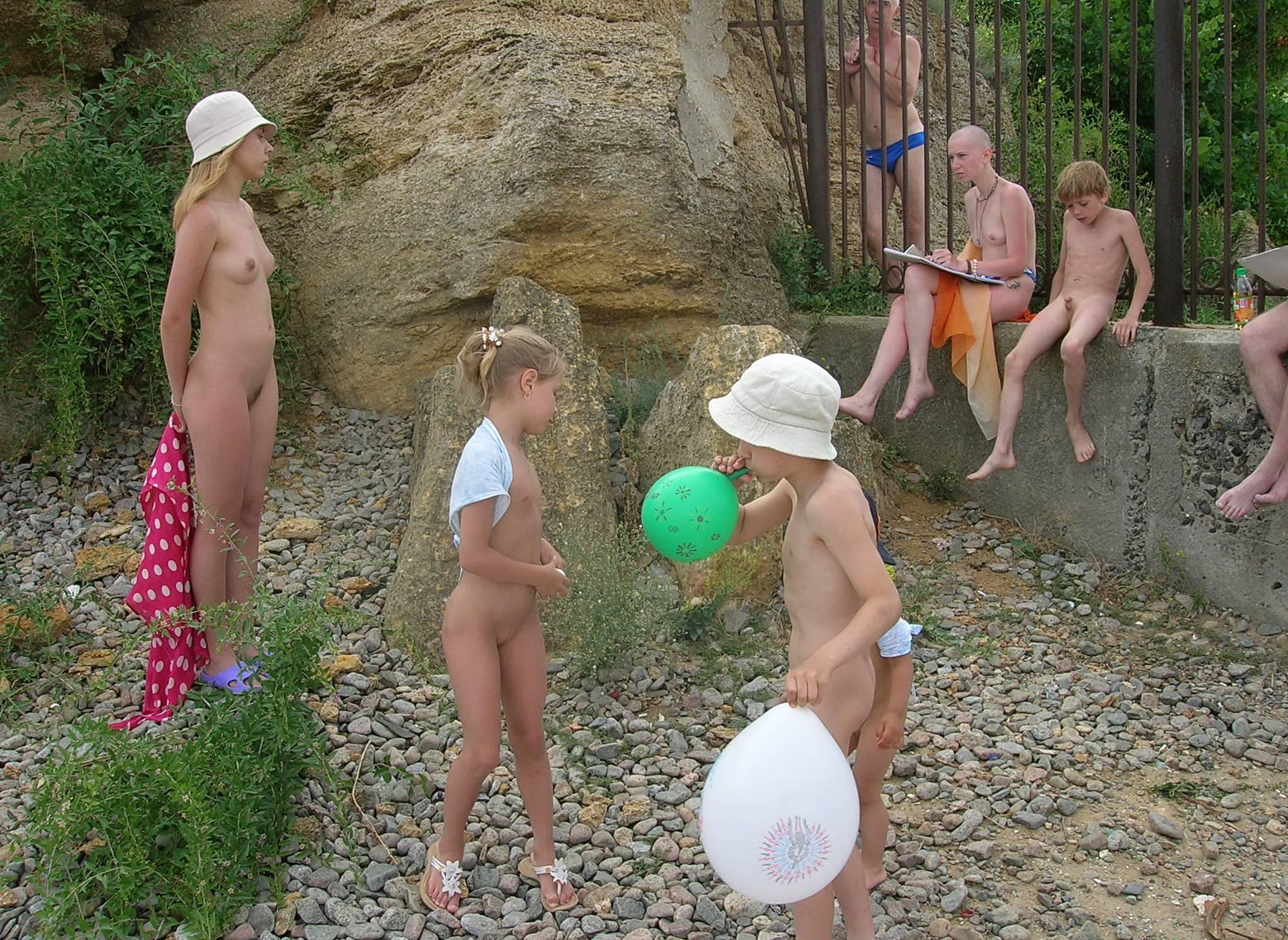 Pebble Rock Balloon Fight - 2