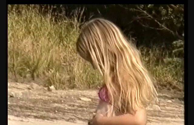 FKK Videos Schlammspiele (Lea and Friend. A day at the river) - 1