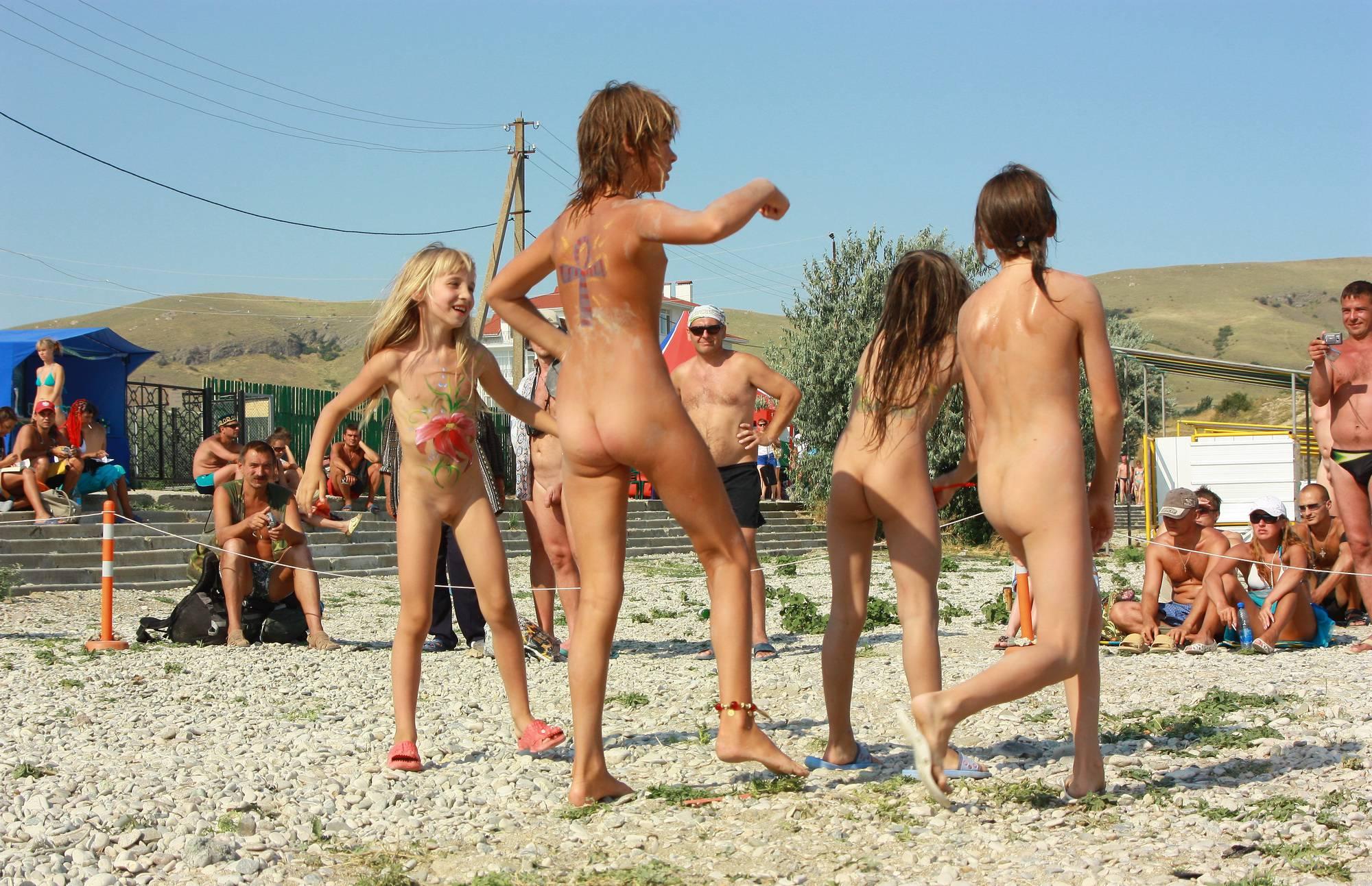 Nudist Photos Ukrainian Dance to the Sky - 2