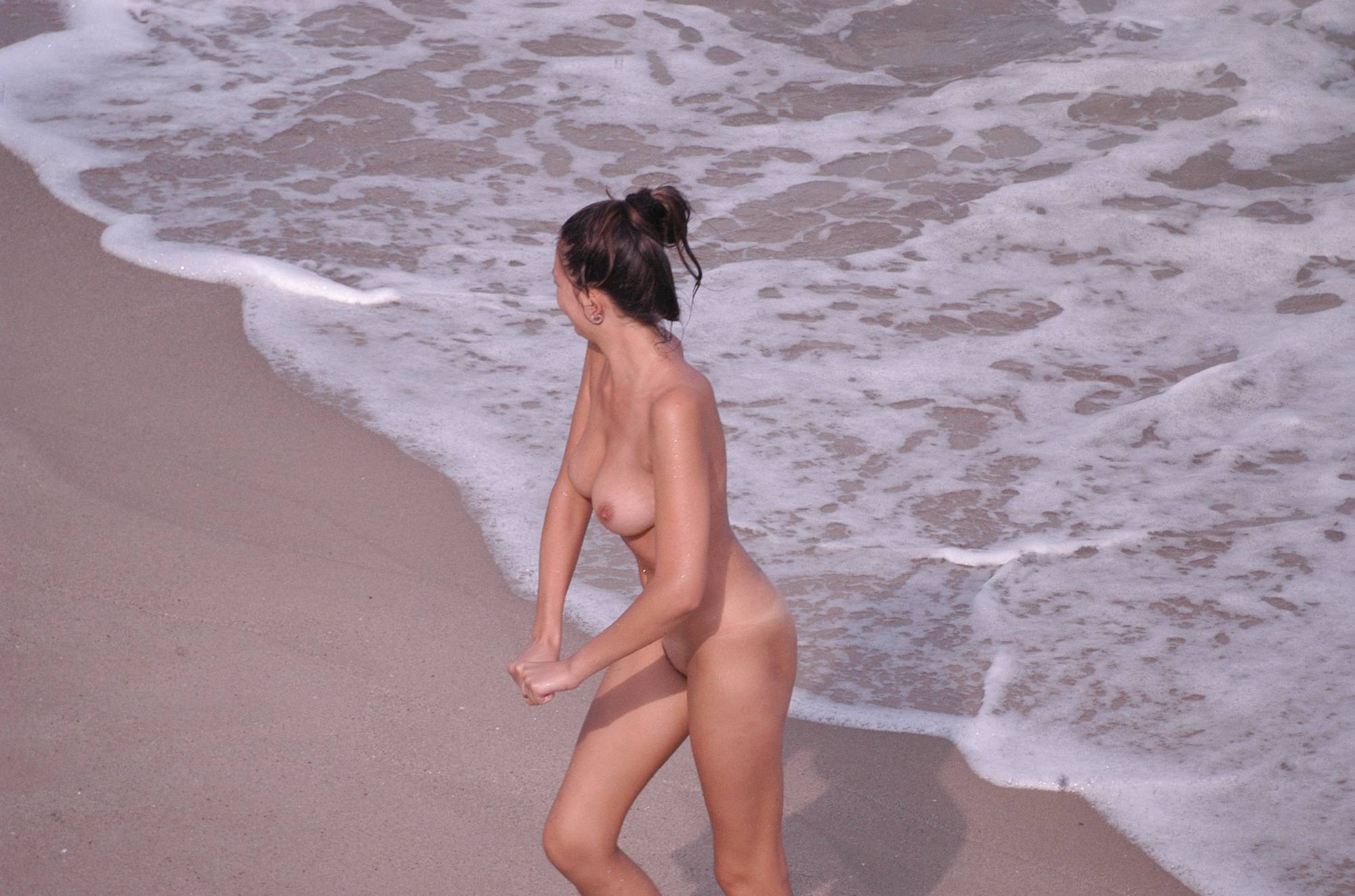 Nudist Pictures Verna Beach Waters Girl - 2
